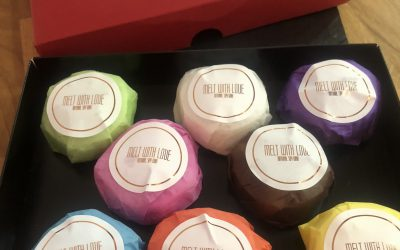 Melt With Love Winter Soy Wax Melts and a chance to WIN a box of the fabulous Christmas scents!